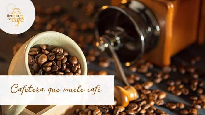 Cafetera súper automática que muele café